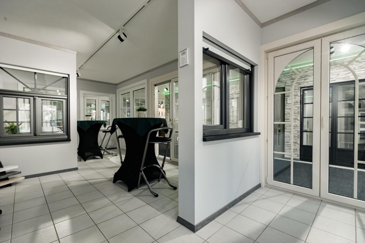 Specialist in ramen en deuren gemeente neerpelt for Deuren specialist